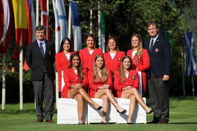 Ainhoa Olarra con el equipo nacional novenas en el Campeonato de Europa Femeniono por equipos