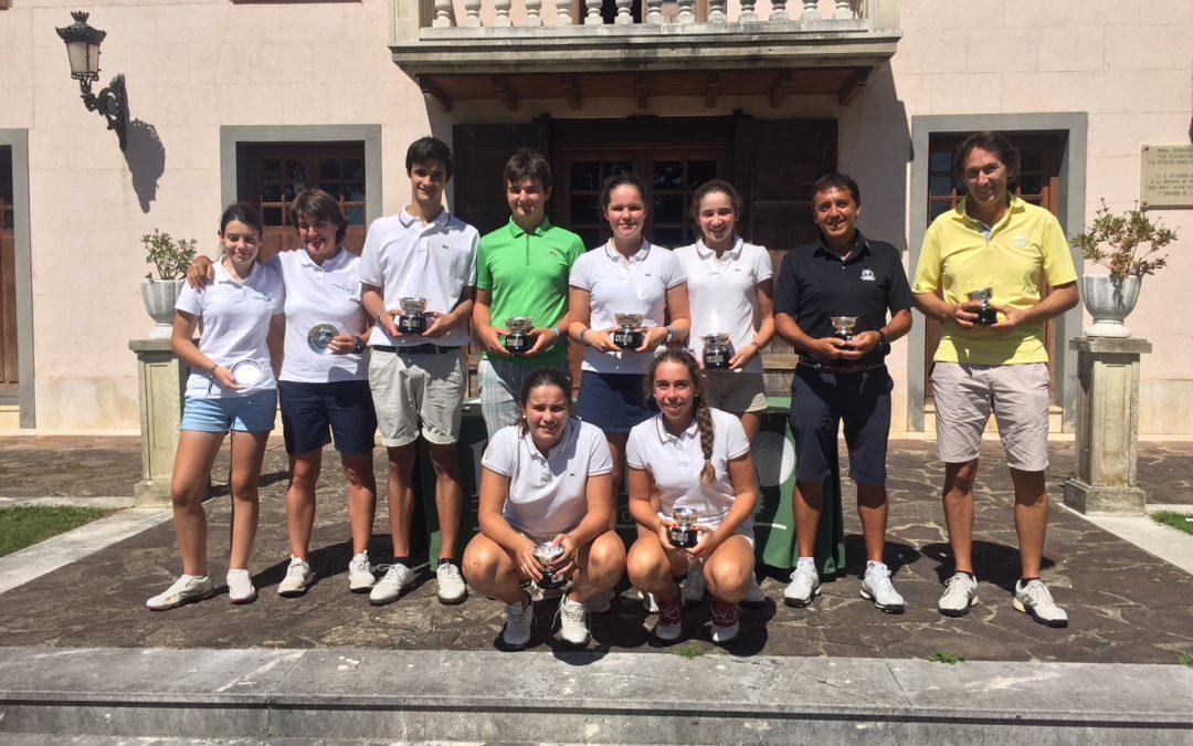 O. Etxezarreta / A. Ubide (Femenino) y E. de los Rios / I. Camba (Masculino) Campeones del País Vasco Dobles