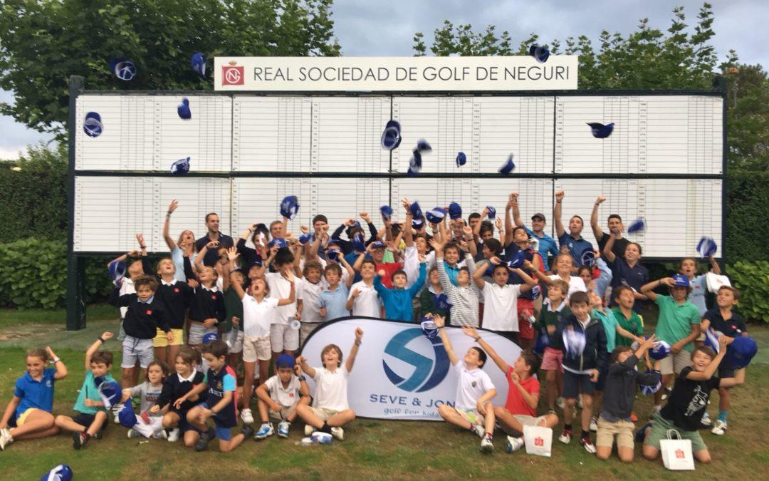 "Broche de oro en Meaztegi con la Gran Final del ""Seve & Jon golf for kids"""