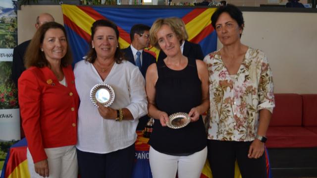 Lourdes Barbeito junto con María Castillo terceras en el Campeonato de España Dobles Senior Femenino